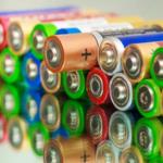 Школьники соревнуются в сборе батареек