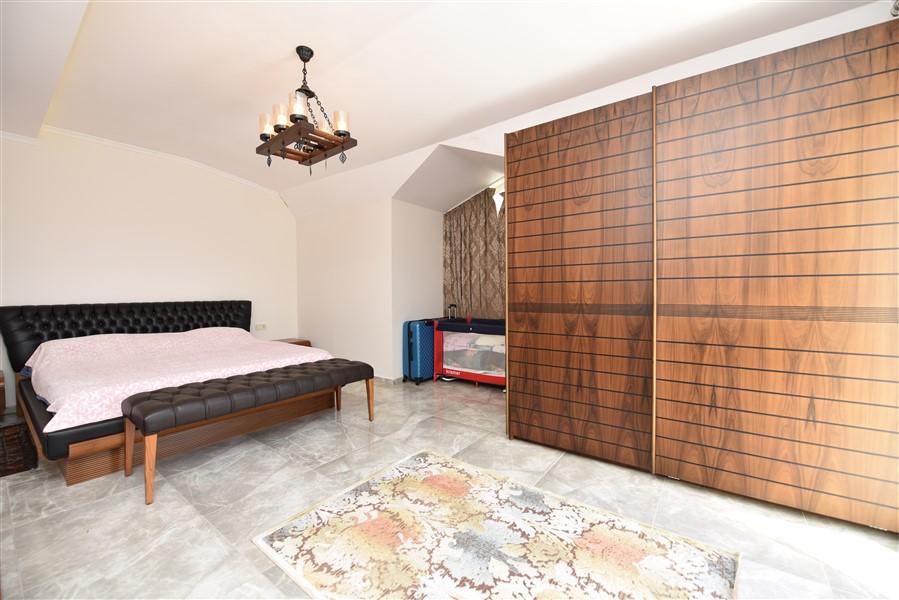 Просторный двухуровневый пентхаус 4+1 с мебелью в районе Джикджилли - Фото 33
