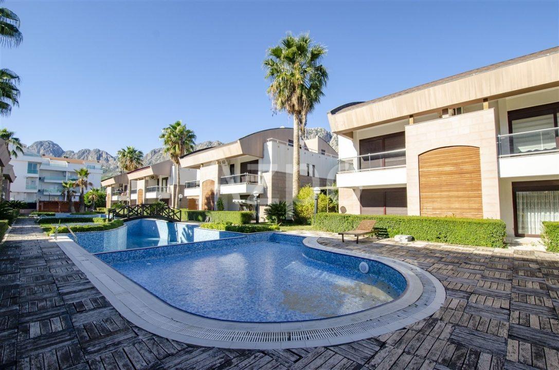 Двухэтажная вилла в комплексе с бассейном - Фото 10
