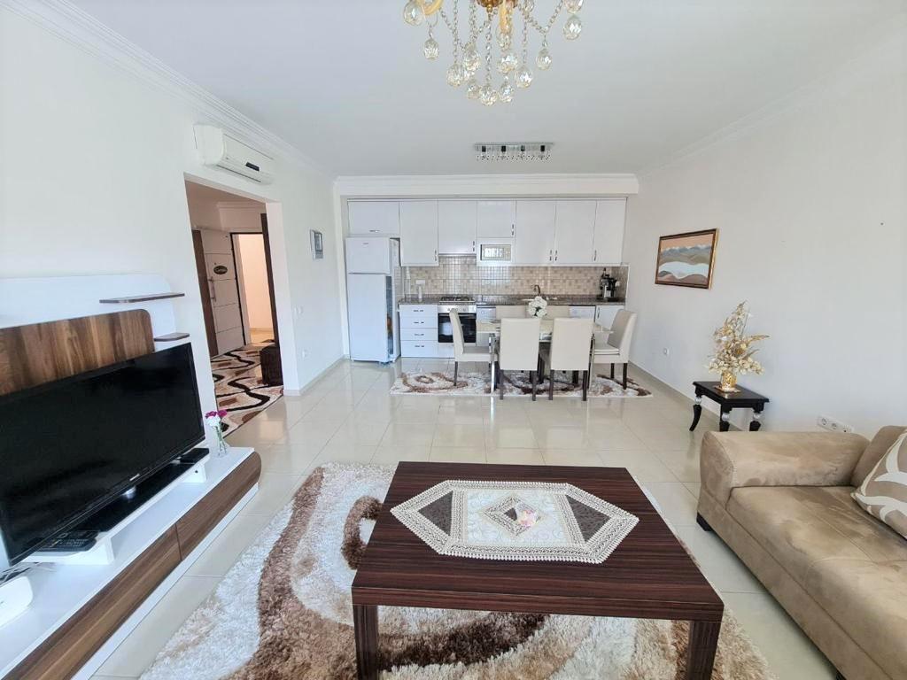 Просторную трёхкомнатную квартиру с мебелью и бытовой техникой - Фото 8