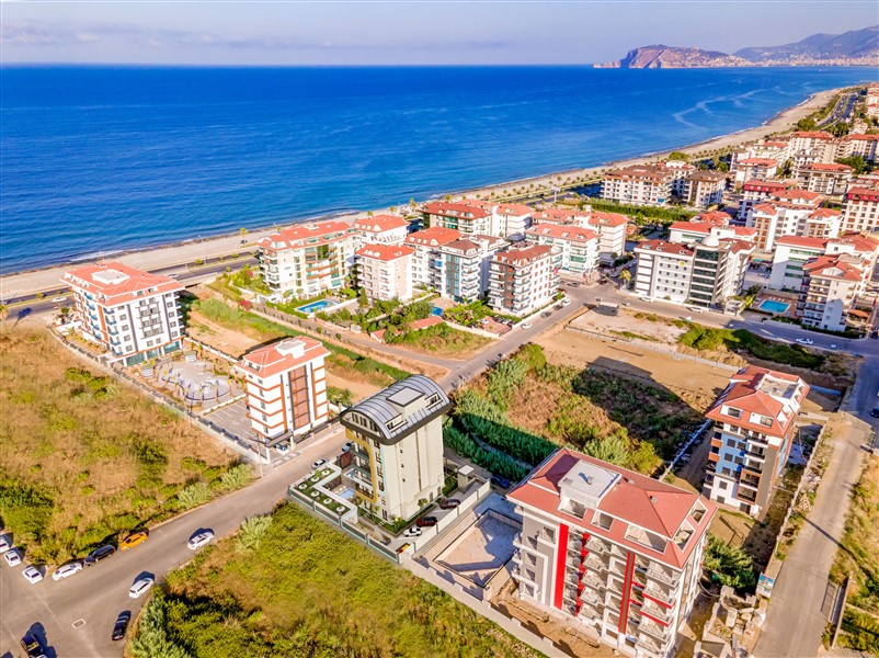 Напрямую от строительной компании представлено 12 единиц жилой недвижимости