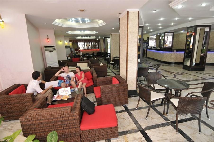 Отель на первой береговой линии в Махмутларе - Фото 1