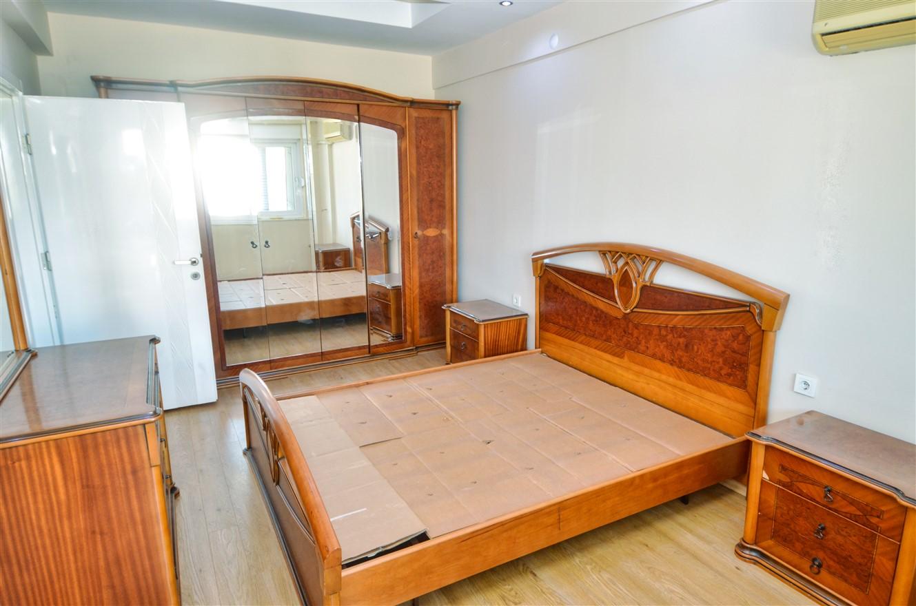 Четырёхкомнатная квартира с отдельной кухней в центральном районе Антальи - Фото 13