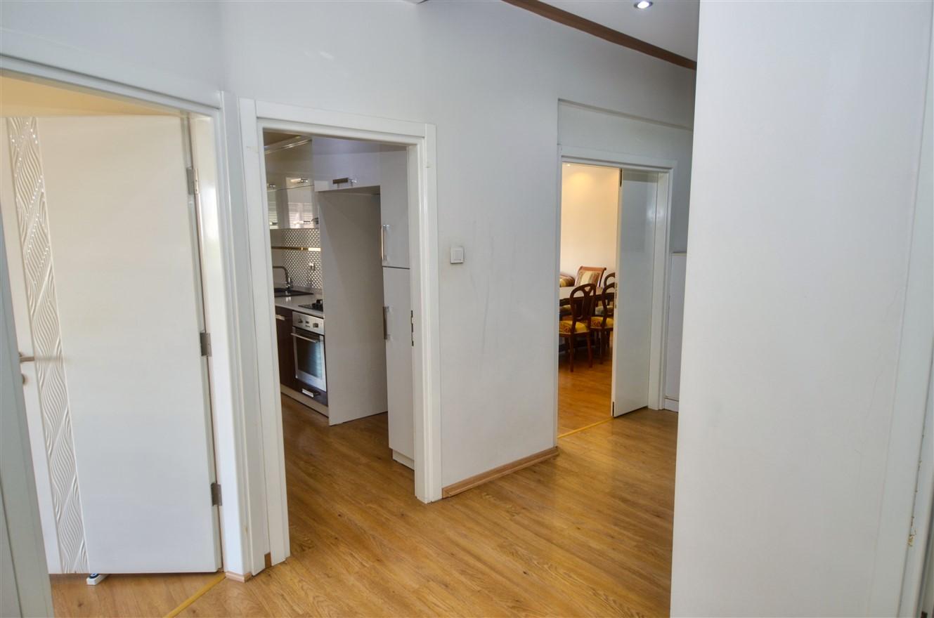 Четырёхкомнатная квартира с отдельной кухней в центральном районе Антальи - Фото 9