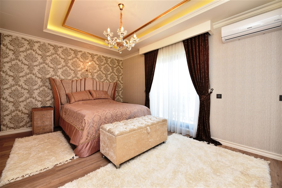 Роскошная четырёхкомнатная квартира с мебелью - Фото 34