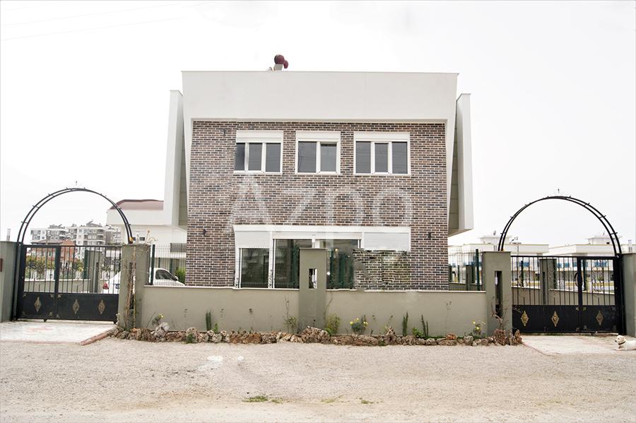 Трехэтажная вилла планировки 4+1 в Анталии - Фото 3