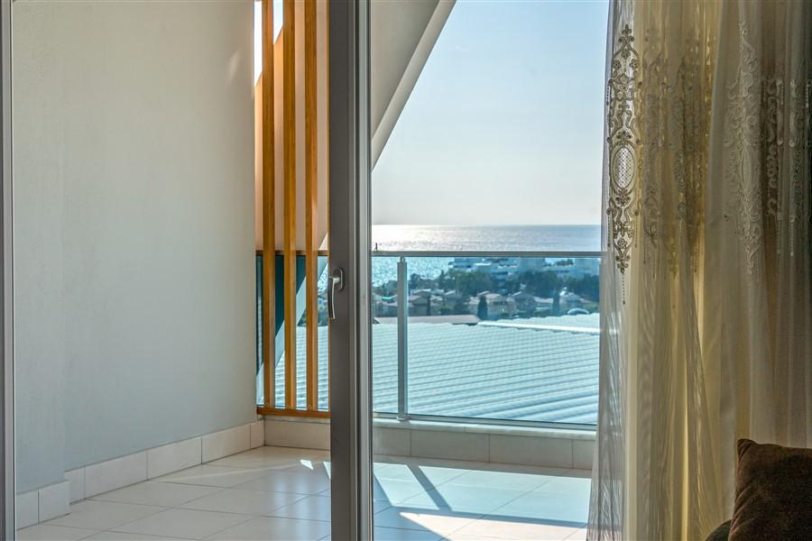 Меблированный пентхаус 4+1 с видом на море в посёлке Авсаллар - Фото 33