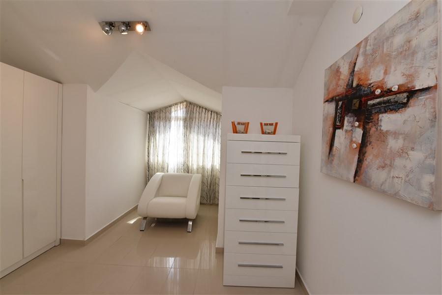 Двухуровневый пентхаус 4+1 с мебелью в центре Аланьи - Фото 40