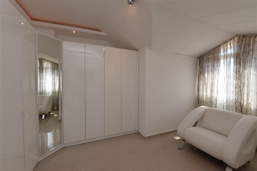 Двухуровневый пентхаус 4+1 с мебелью в центре Аланьи - Фото 43