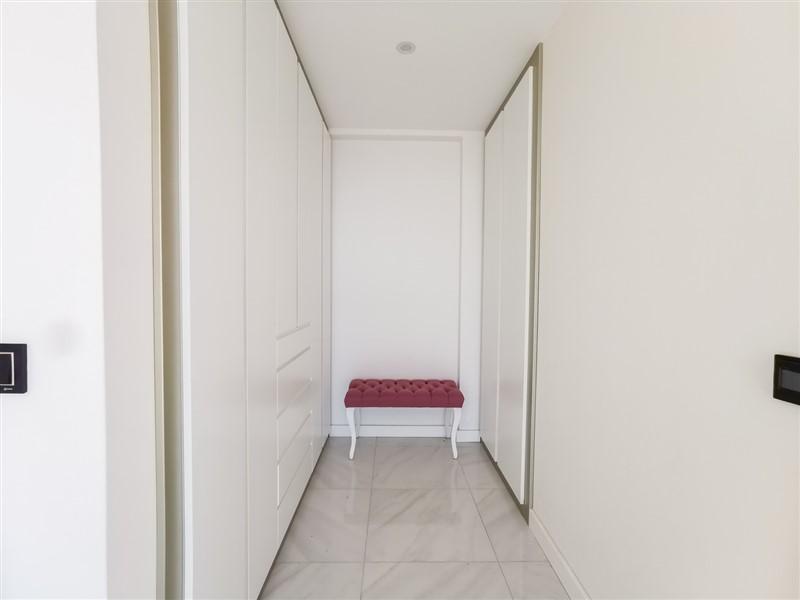 Трёхкомнатная квартира на первой береговой линии в районе Каргыджак - Фото 39