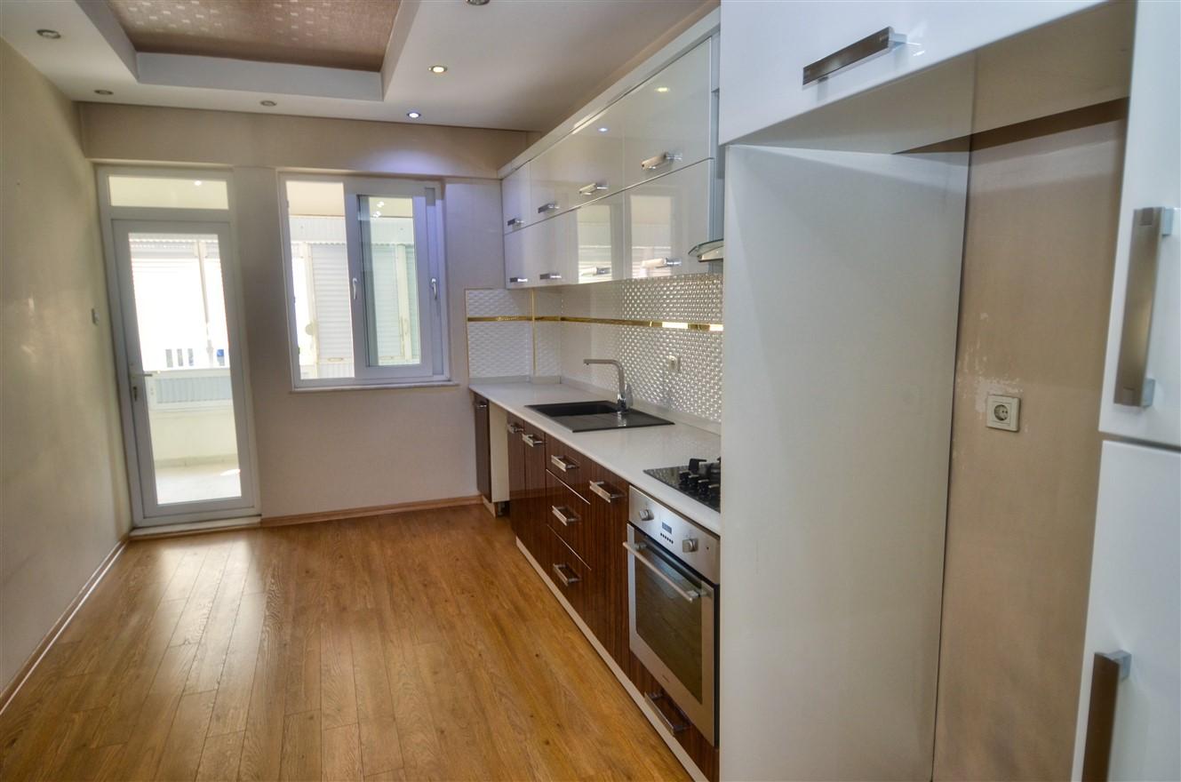 Четырёхкомнатная квартира с отдельной кухней в центральном районе Антальи - Фото 6