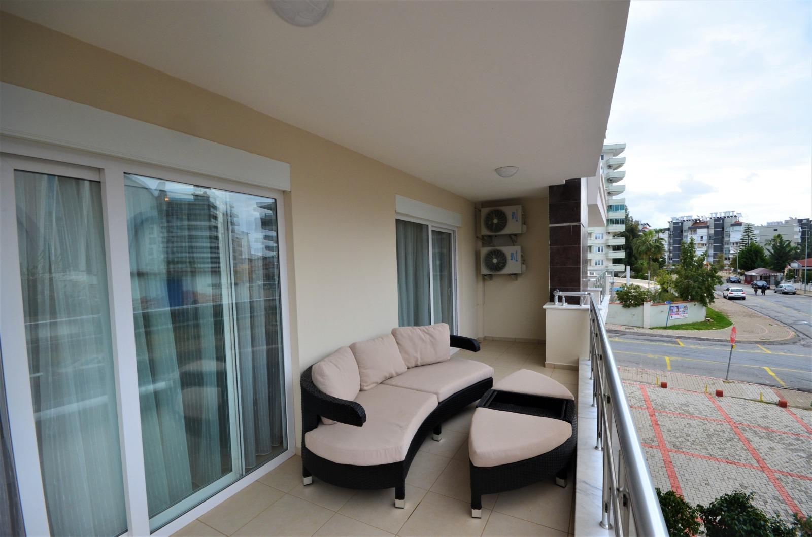 Двухкомнатная квартира с мебелью и бытовой техникой в районе Тосмур - Фото 15