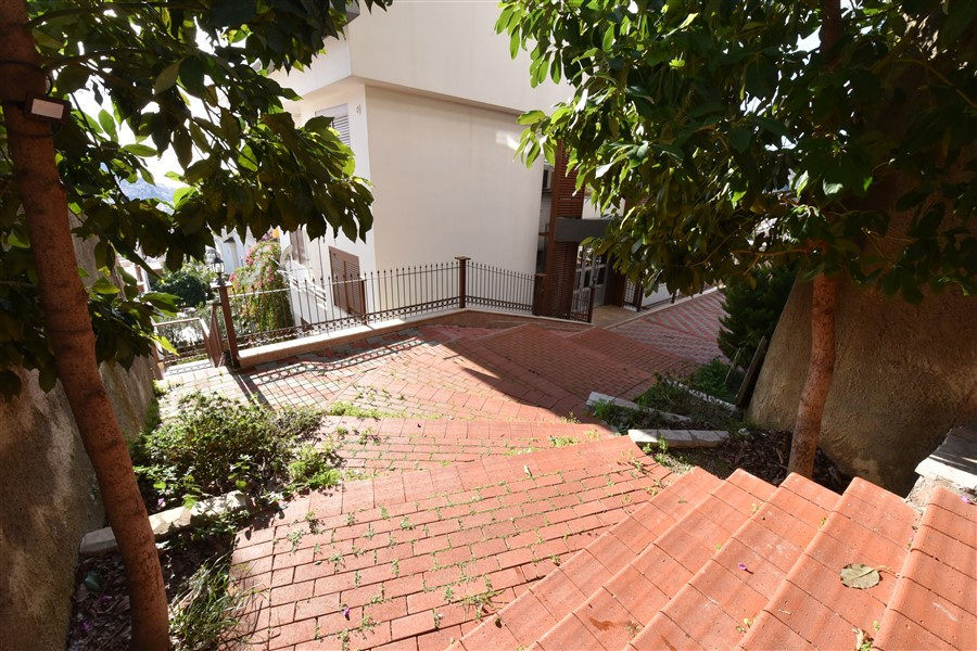 Просторная видовая квартира 2+1 в центральной части Алании - Фото 3