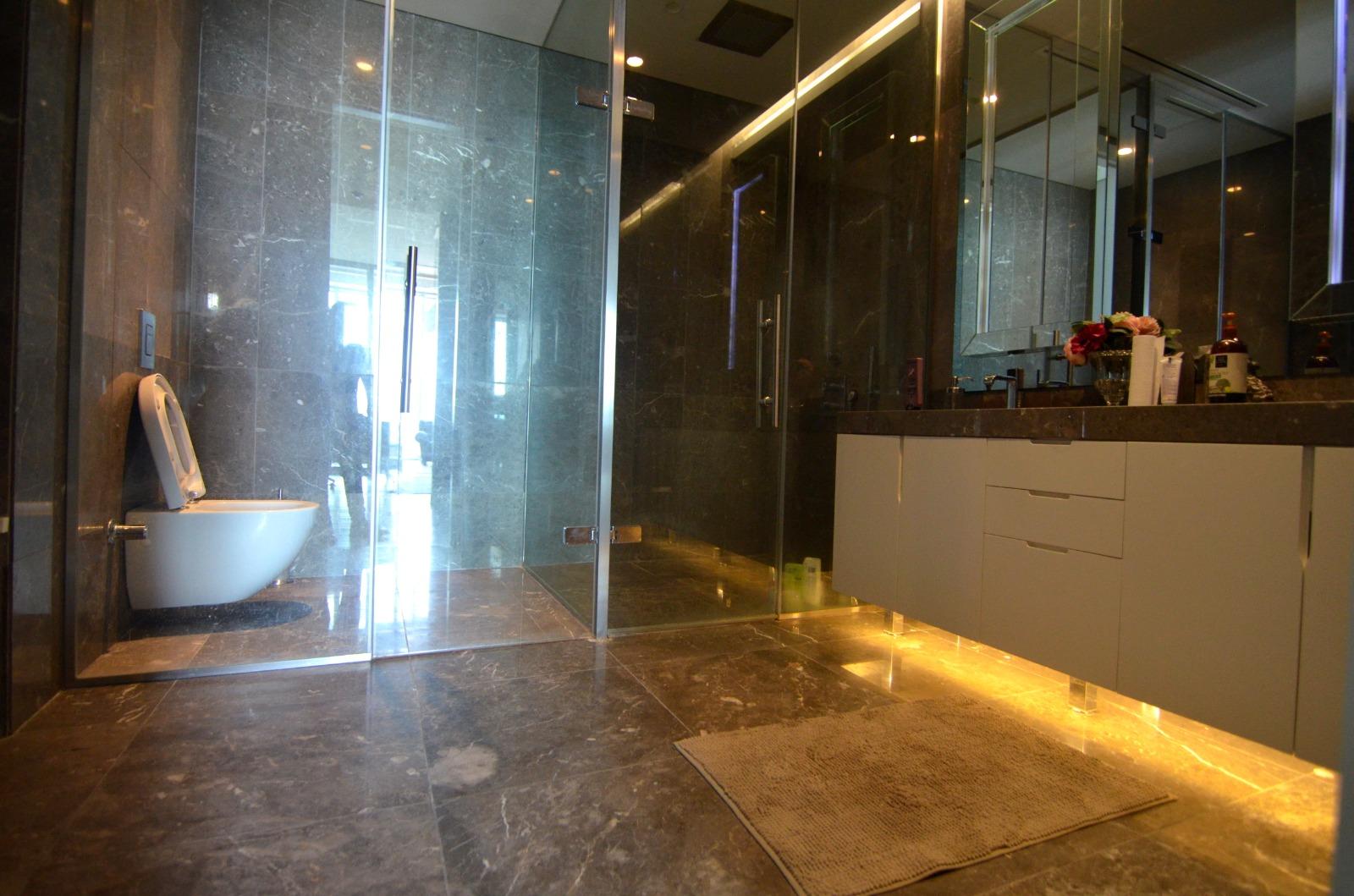 Элитная квартира в  высоком небоскребе Стамбула - Фото 21