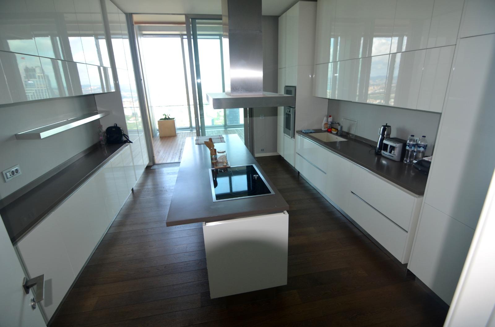 Элитная квартира в  высоком небоскребе Стамбула - Фото 15