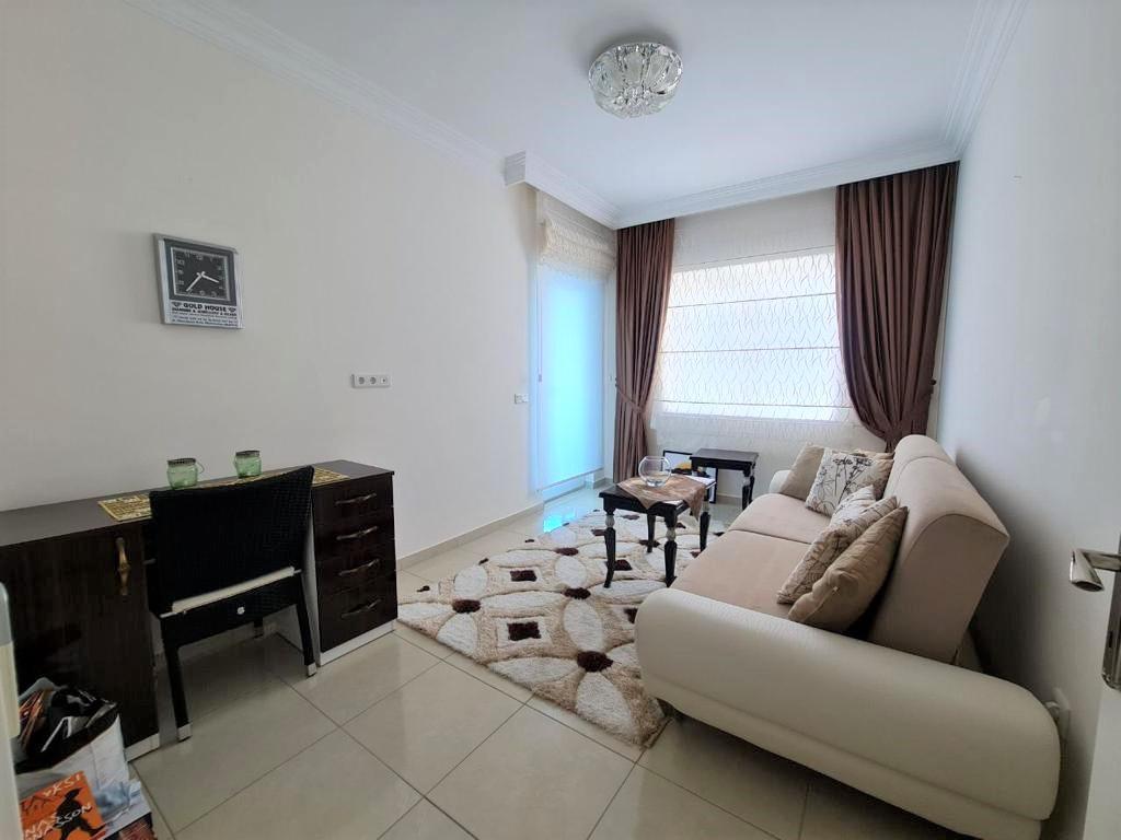 Просторную трёхкомнатную квартиру с мебелью и бытовой техникой - Фото 15