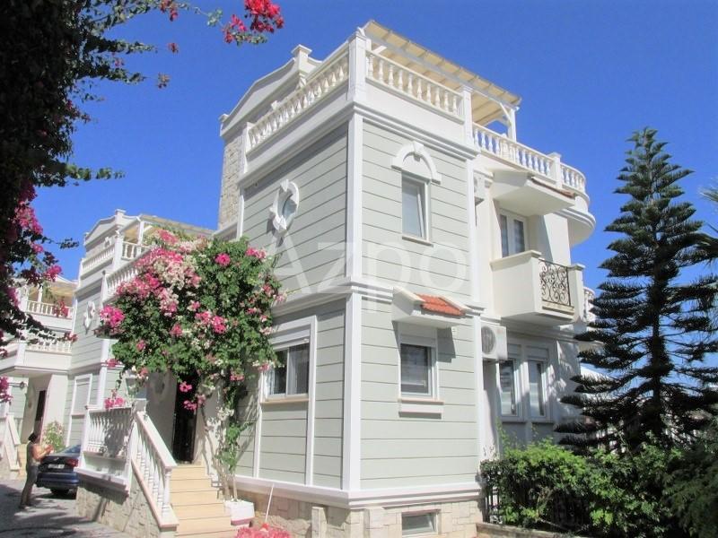 Трёхэтажная вилла планировки 4+1 в Конаклы - Фото 1