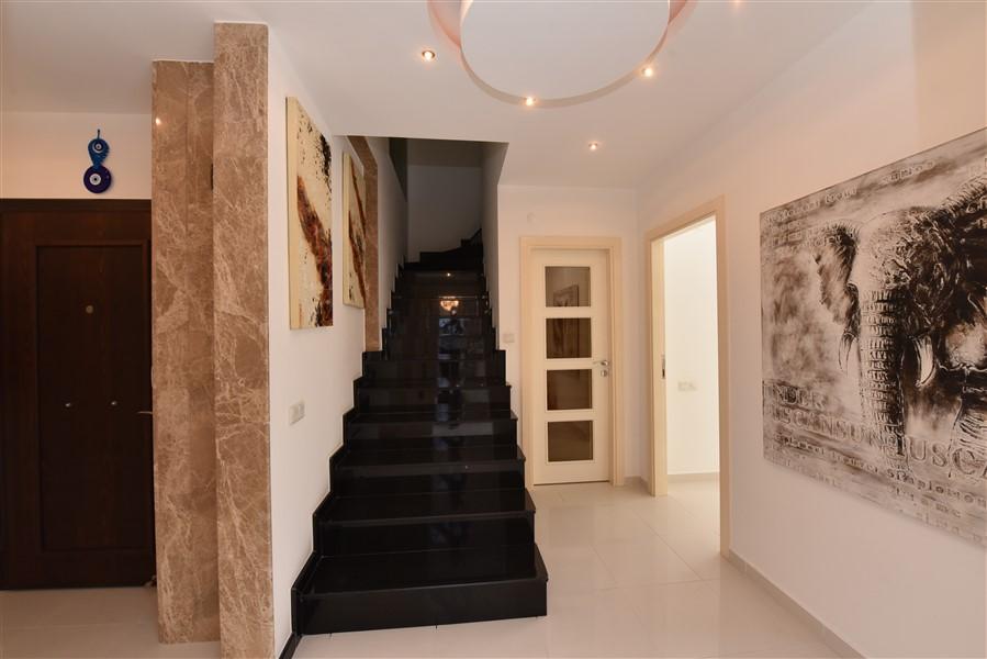 Двухуровневый пентхаус 4+1 с мебелью в центре Аланьи - Фото 4