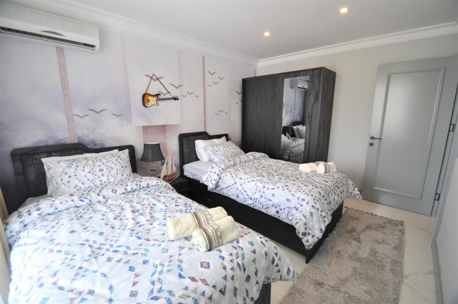 Просторная трёхкомнатная квартира с мебелью в Тосмуре - Фото 26