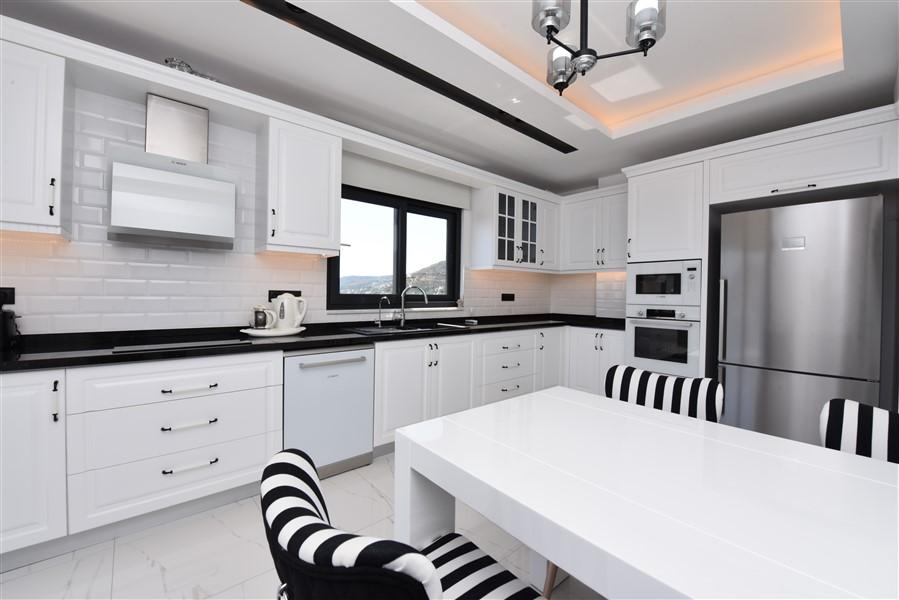 Роскошная меблированная квартира 3+1 в центральном районе Аланьи - Фото 21