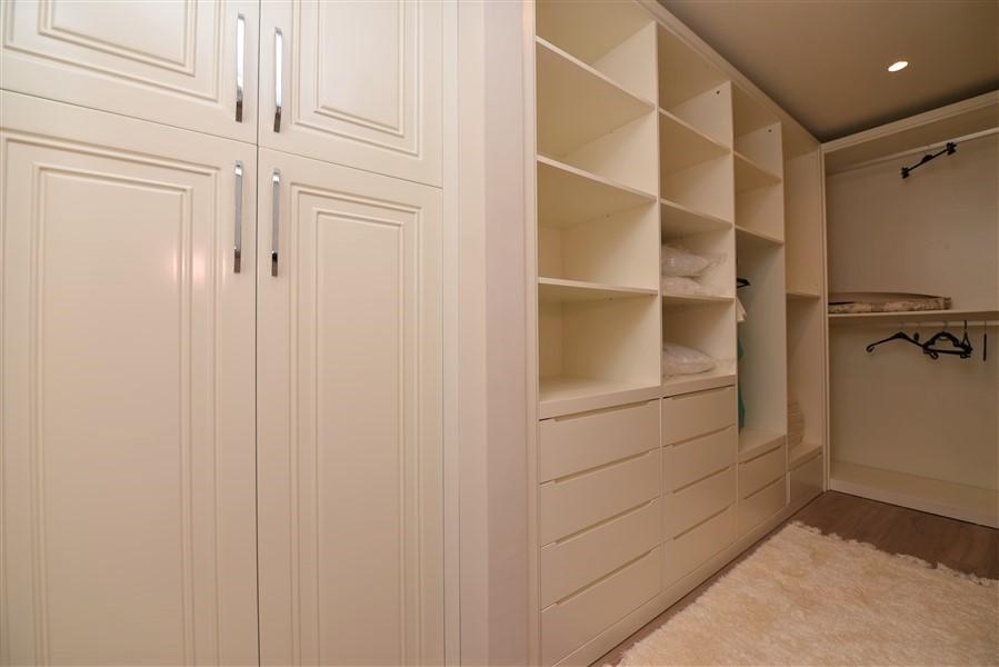Роскошная четырёхкомнатная квартира с мебелью - Фото 36