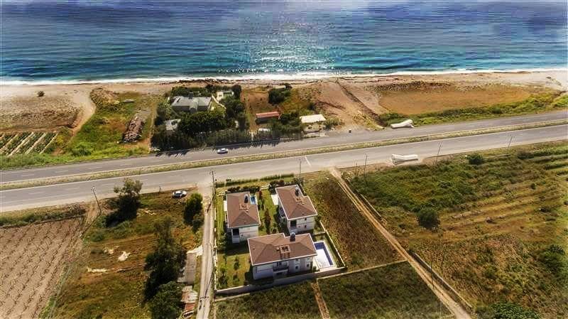 Двухэтажная вилла 4+1 с бассейном на берегу средиземного моря - Фото 5