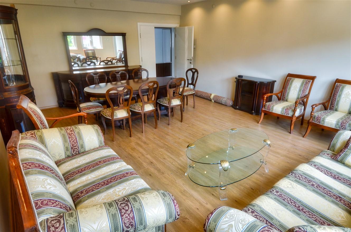 Четырёхкомнатная квартира с отдельной кухней в центральном районе Антальи - Фото 3