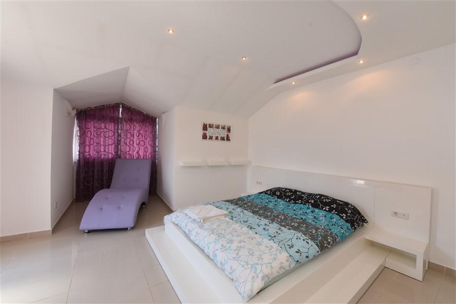 Двухуровневый пентхаус 4+1 с мебелью в центре Аланьи - Фото 34