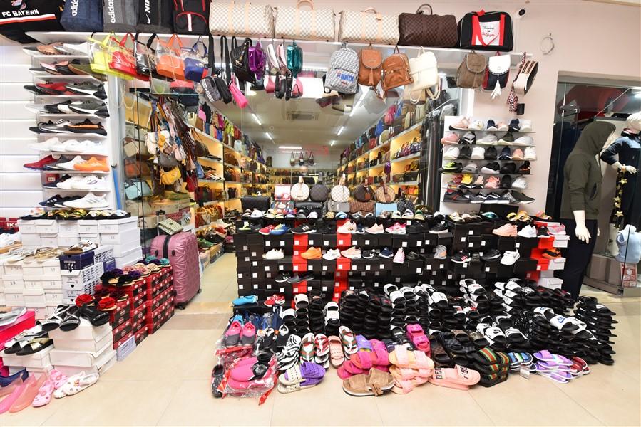 Торговое помещение в ТЦ в центре Окурджалара - Фото 1