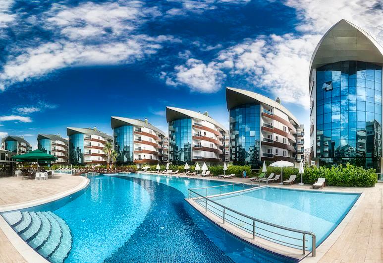 Квартира 1+1 в комплексе отельного плана в 5 минутах от моря в Коньяалты