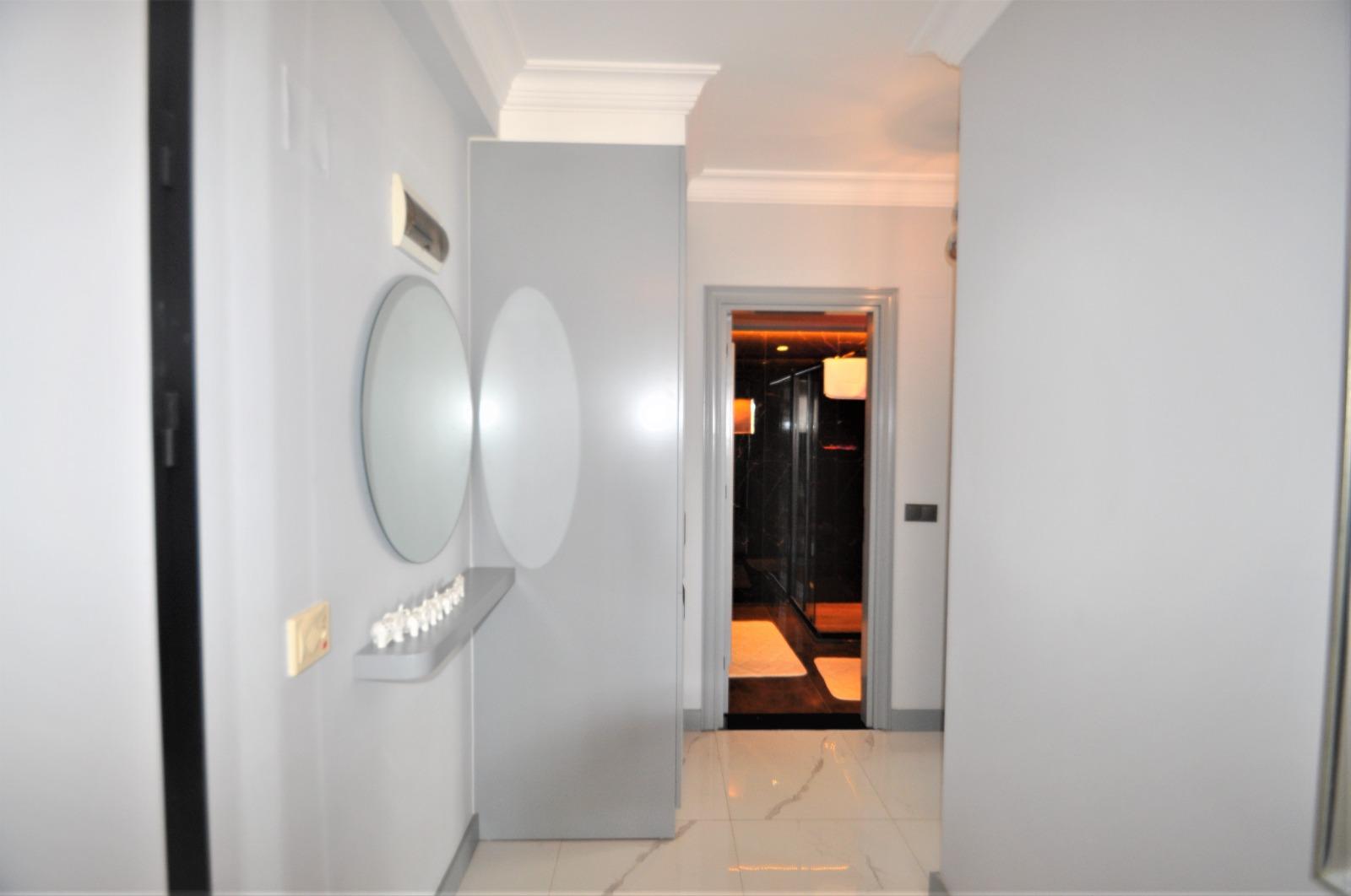 Просторная трёхкомнатная квартира с мебелью в Тосмуре - Фото 6