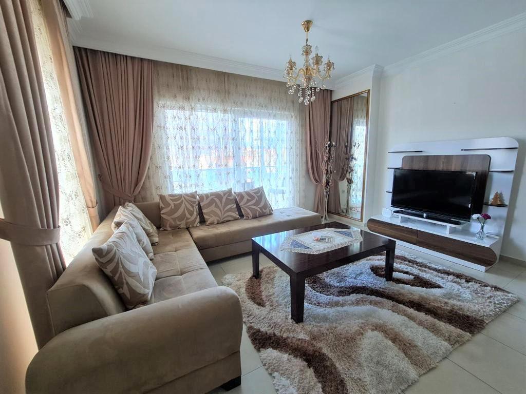 Просторную трёхкомнатную квартиру с мебелью и бытовой техникой - Фото 12