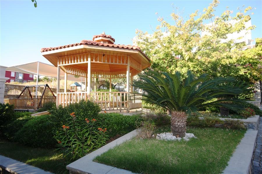 Вилла с просторной террасой и частным бассейном - Фото 40