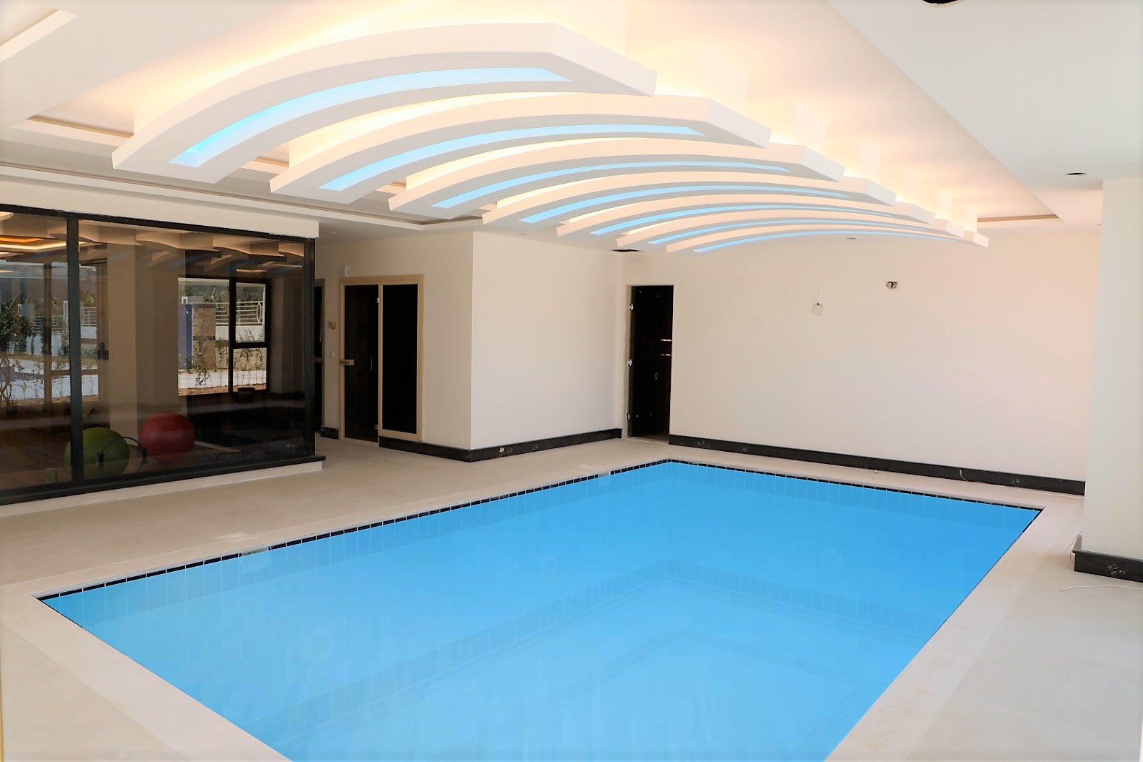 Апартаменты 1+1 в новом комплексе Махмутлар - Фото 21