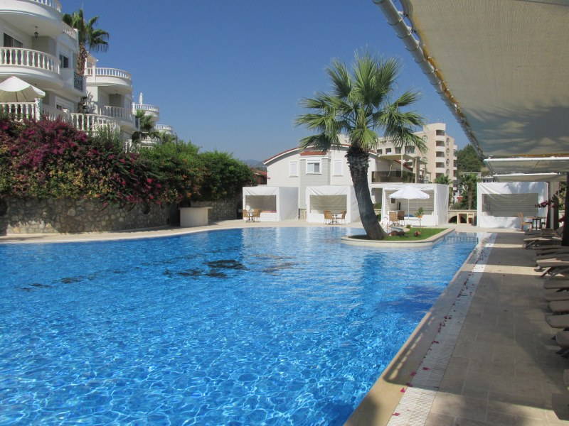 Вилла с просторной террасой и частным бассейном - Фото 43