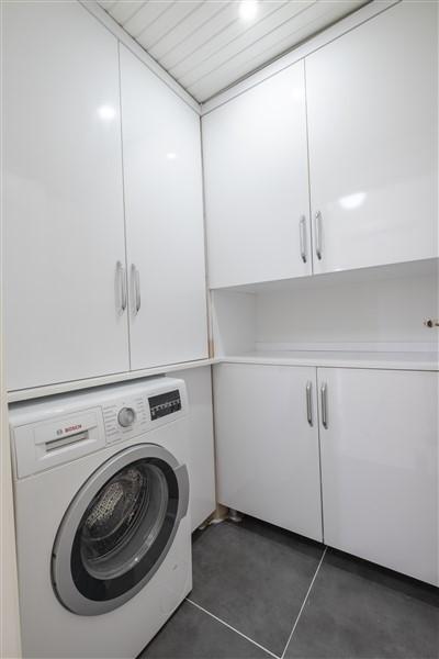 Трёхкомнатная меблированная квартира в районе Оба - Фото 16