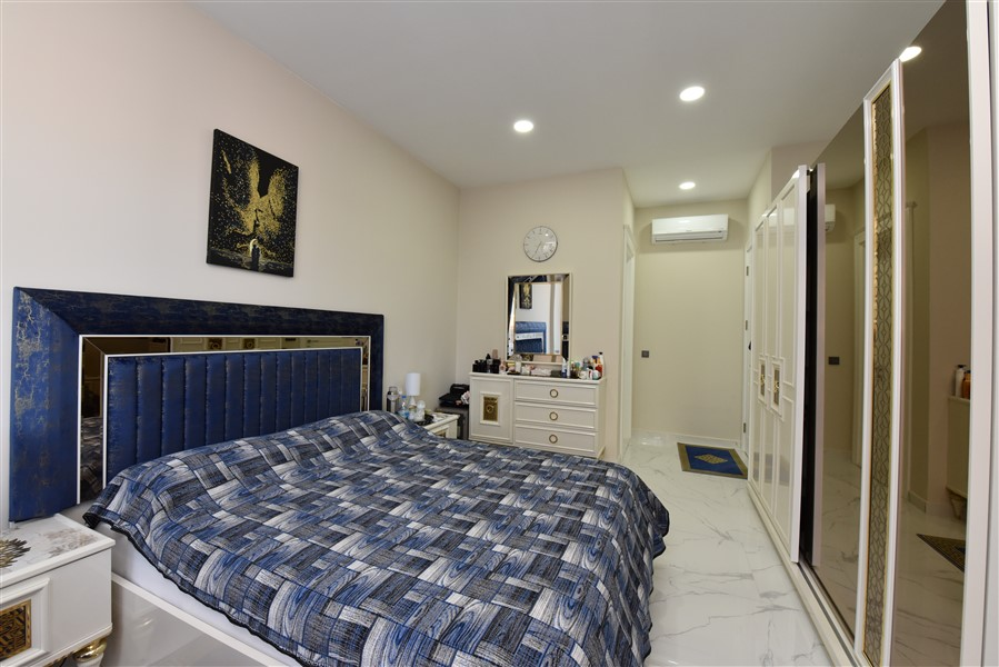 Трёхкомнатная квартира с мебелью в 50 метрах от пляжа. - Фото 28
