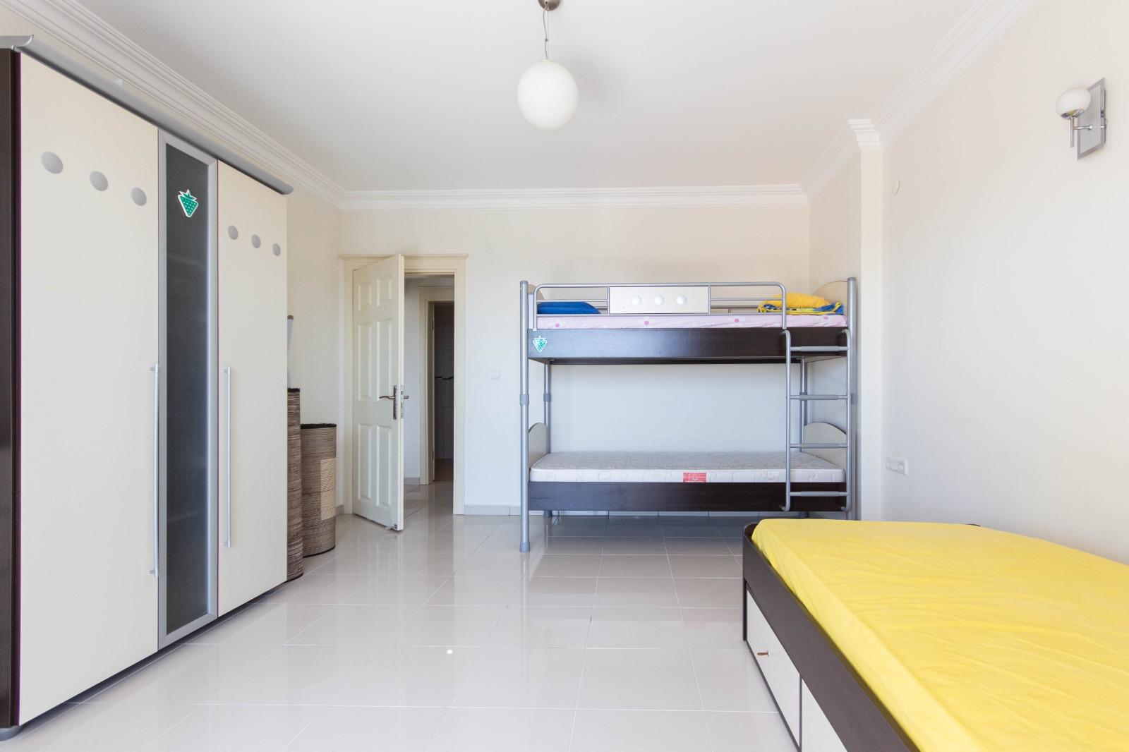 Меблированная квартира 2+1 с видом на море. - Фото 25