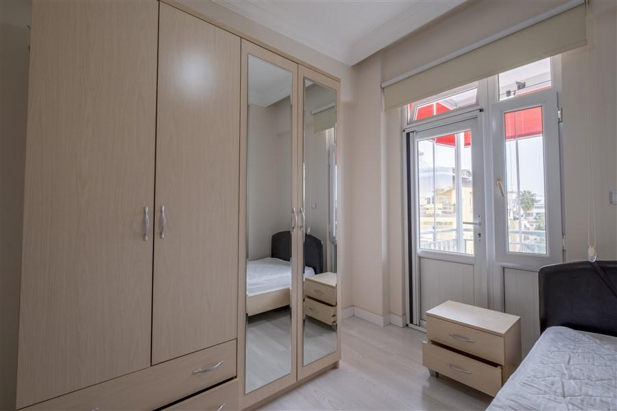 Трёхкомнатная меблированная квартира в районе Оба - Фото 24