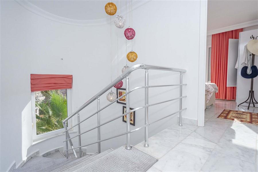 Меблированная вилла 3+1 в районе Каргыджак. - Фото 19