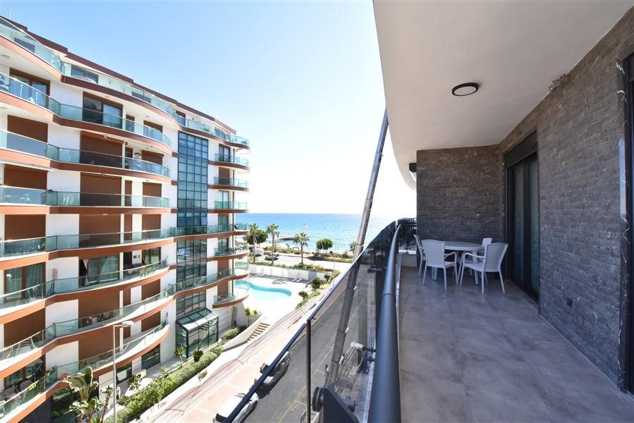 Трёхкомнатная квартира с мебелью в 50 метрах от пляжа. - Фото 32