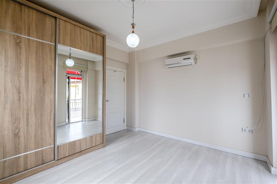 Трёхкомнатная меблированная квартира в районе Оба - Фото 19